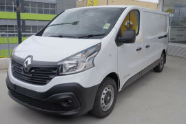 Renault Trafic 103KW Low Roof LWB X82