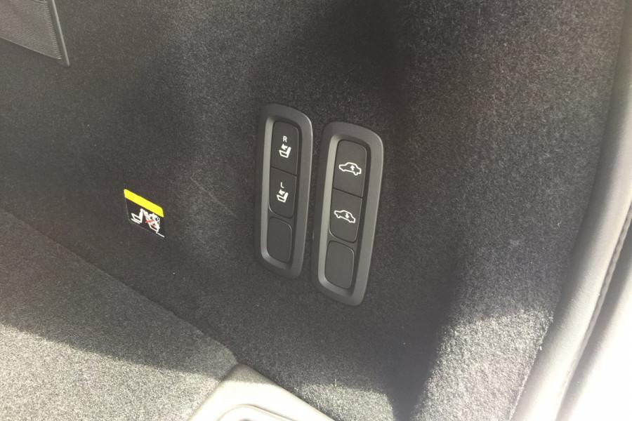 2019 Volvo XC60 UZ T6 R-Design Suv Image 11