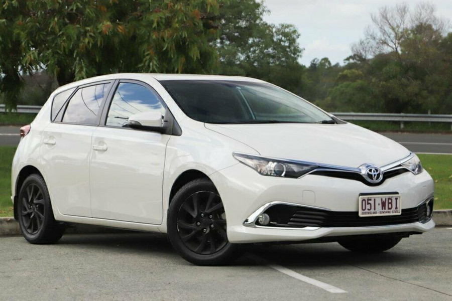 2015 Toyota Corolla ZRE182R Ascent Sport Hatchback Image 1