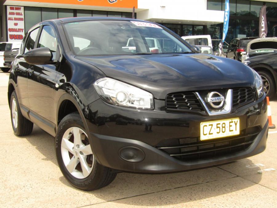 2011 MY10 Nissan DUALIS Hatchback Image 1