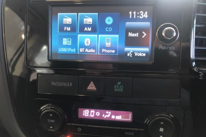 2014 MY14.5 Mitsubishi Outlander ZJ MY14.5 ES Suv Image 17