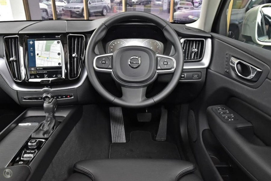 2020 Volvo XC60 UZ T5 Momentum Suv Image 12