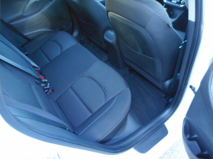 2017 MY18 Hyundai i30 PD Active Hatchback Image 12