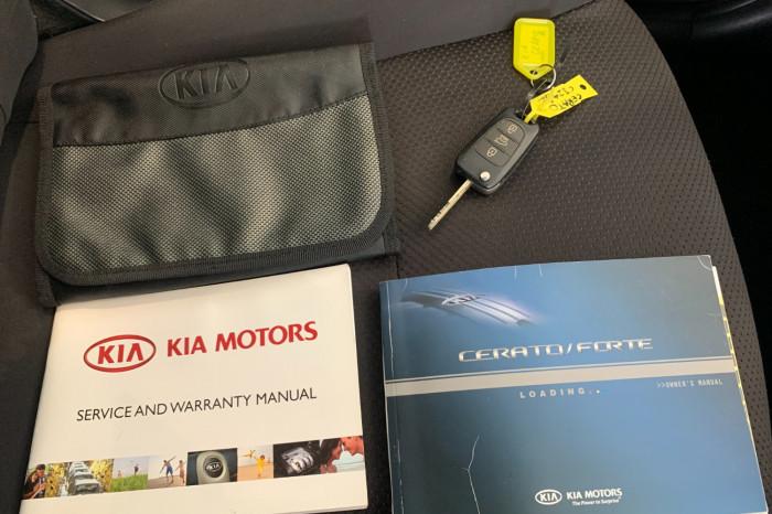 2011 Kia Cerato TD MY11 S Hatchback Image 20