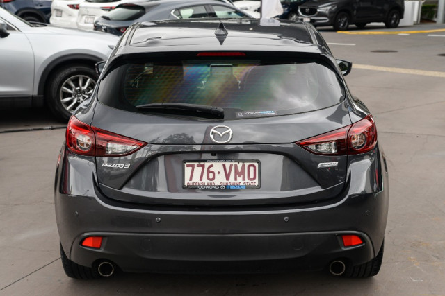 2015 Mazda 3 Hatchback Image 4