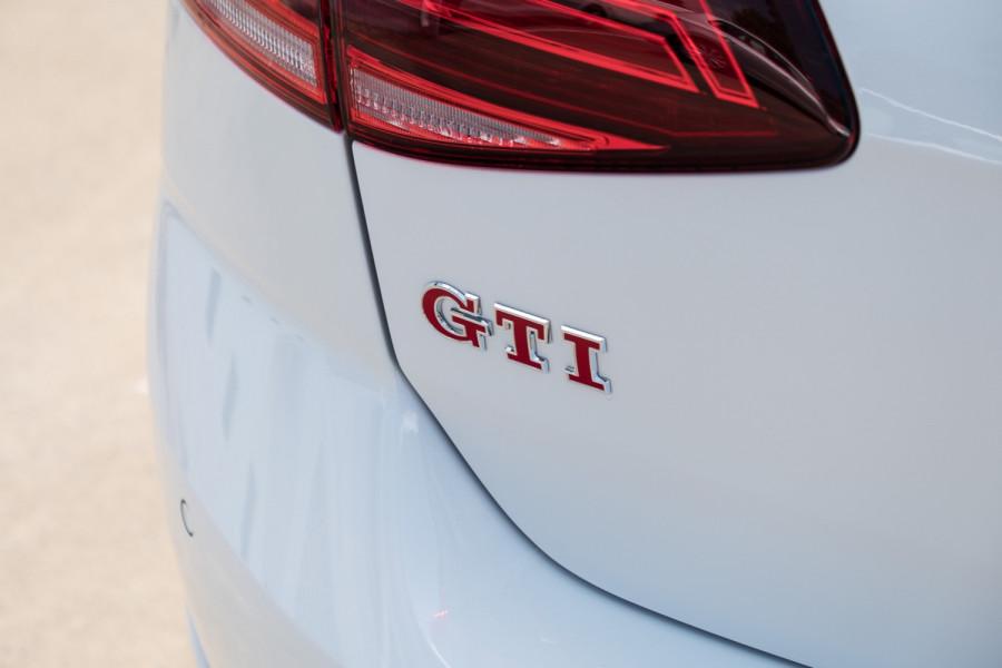 2020 Volkswagen Golf 7.5 GTI Hatch Image 10
