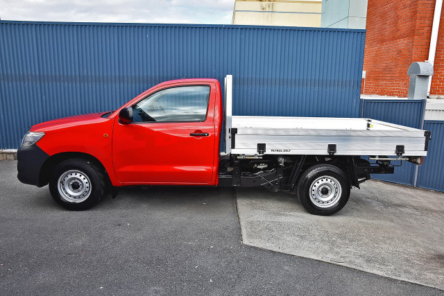 2013 Toyota HiLux TGN16R MY12 Workmate Cab chassis Image 5