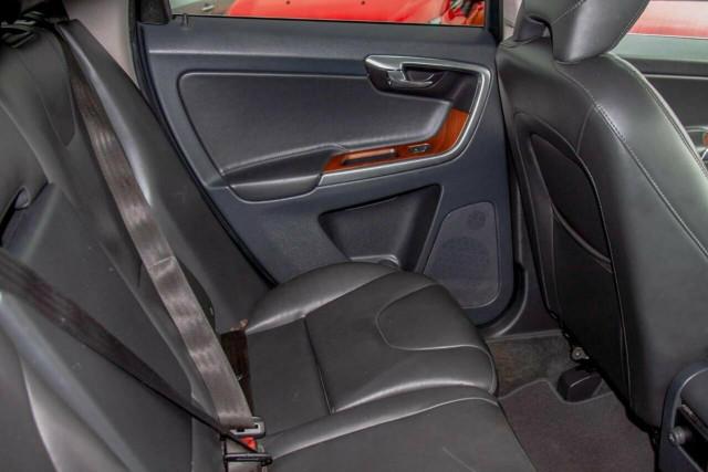 2016 Volvo XC60 D5 Luxury 7 of 22