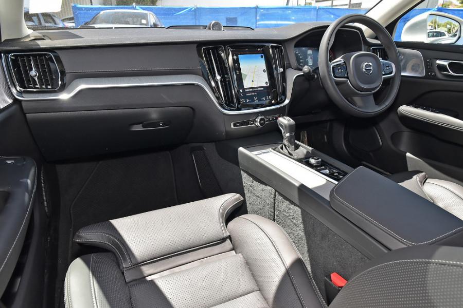 2020 Volvo S60 Z Series T5 Inscription Sedan Mobile Image 10