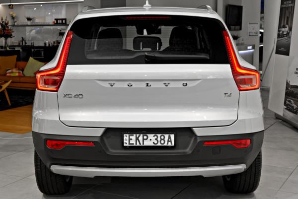 2021 Volvo XC40 XZ T4 Momentum Suv Image 5