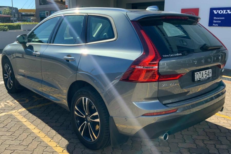 2018 MY19 Volvo XC60 246 MY19 D4 Momentum (AWD) Suv Mobile Image 6