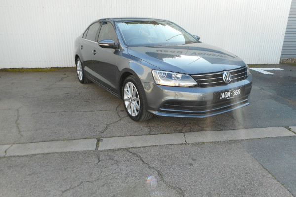 2017 Volkswagen Jetta Sedan Image 4