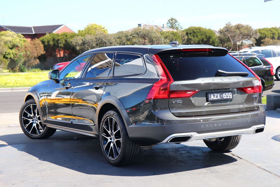 2019 Volvo V90 Cross Country D5 Wagon Mobile Image 3