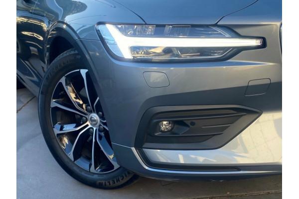 2020 Volvo V60 F-Series T5 Geartronic AWD Inscription Wagon Image 2