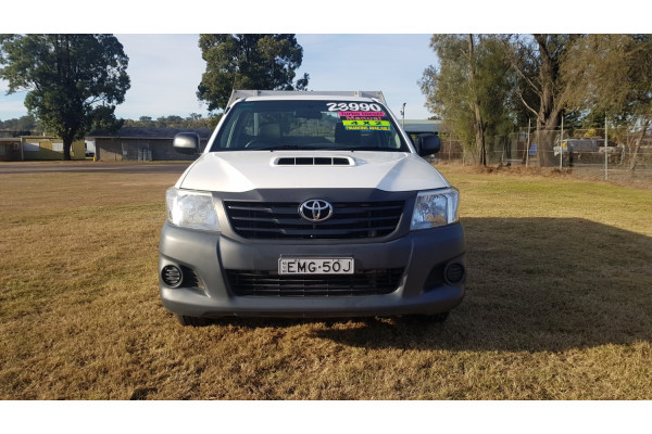 2014 Toyota HiLux KUN16R Turbo Workmate Cab chassis Image 2