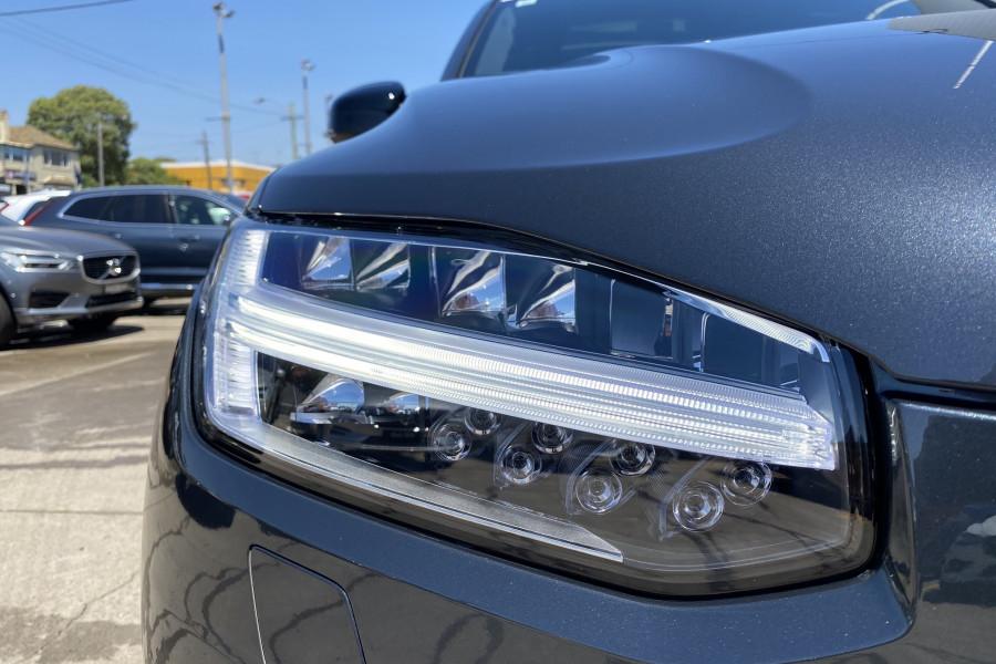 2020 Volvo XC90 L Series T6 R-Design Suv Mobile Image 9