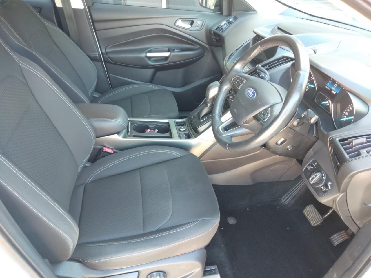 2017 Ford Escape ZG AMBIENTE Suv Image 15
