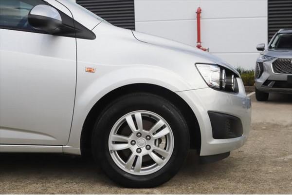 2016 Holden Barina TM MY16 CD Hatchback Image 5