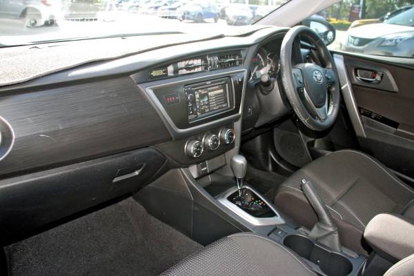 2013 Toyota Corolla ZRE182R Ascent Sport Hatchback image 8