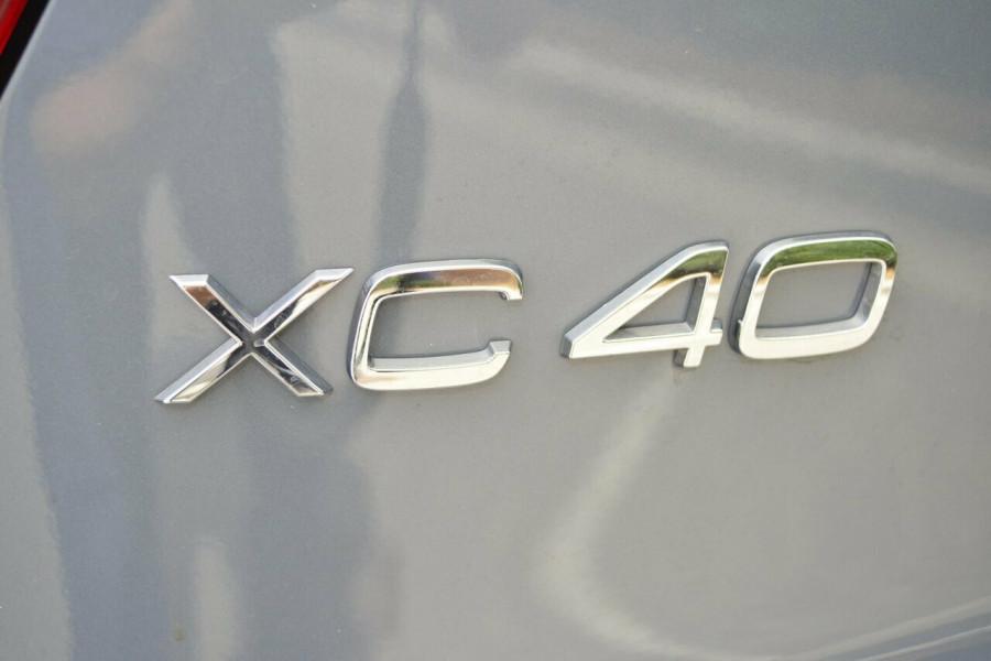 2019 Volvo XC40 XZ T5 R-Design Suv Image 20