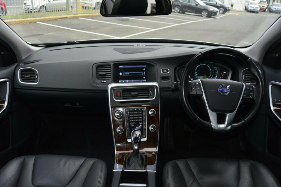 2013 MY14 Volvo V60 F Series MY14 D4 Geartronic Luxury Wagon Image 6