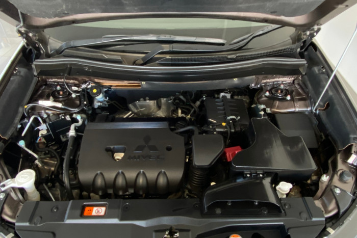 2015 MY16 Mitsubishi Outlander ZK MY16 LS Suv Image 32
