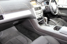2010 Ford Falcon FG XR6 Utility - extended cab Mobile Image 10