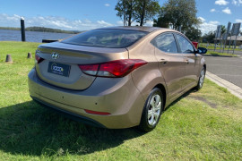 2014 Hyundai Elantra MD3 Active Sedan Image 3