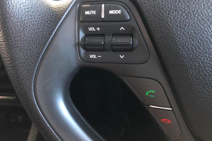 2016 Kia Cerato YD MY16 S Hatchback Image 13