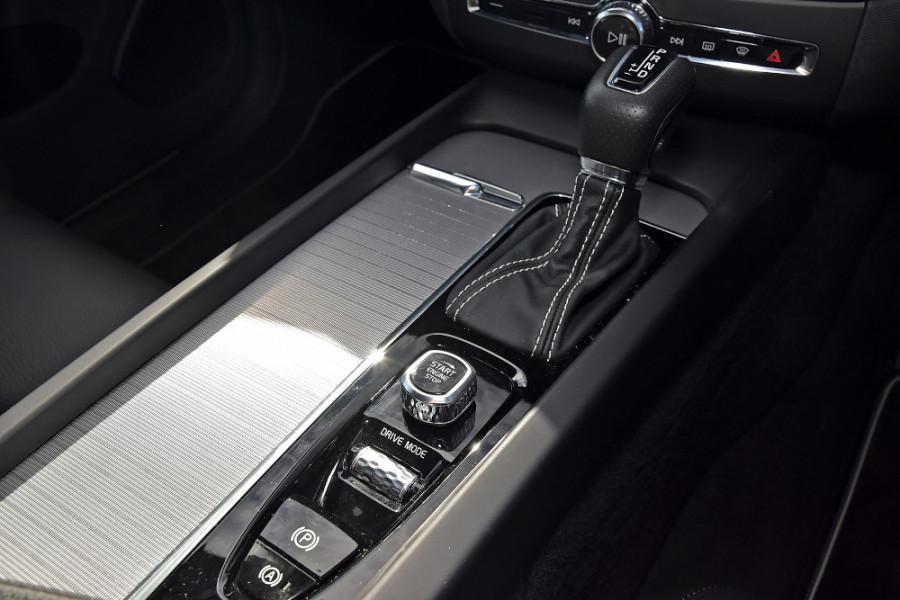 2019 Volvo XC60 UZ T6 R-Design Suv Mobile Image 18