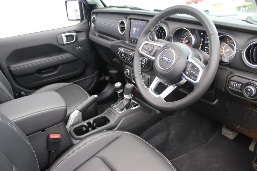 2021 Jeep Wrangler JL  Unlimited 80th Unlimited - 80th Anniversary Convertible Image 27
