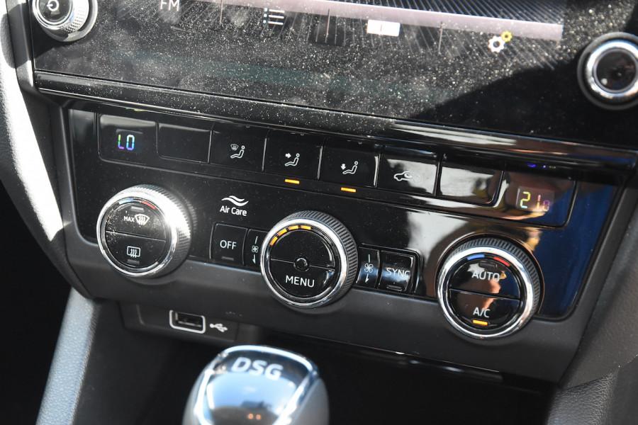 2019 Skoda Octavia NE Sedan Sedan Image 14