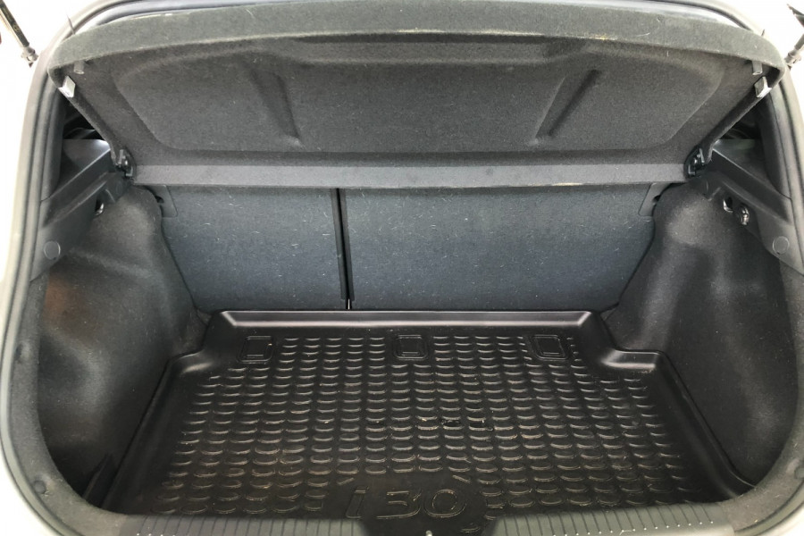 2015 MY16 Hyundai I30 GD3 Series II  SR Hatchback Image 10