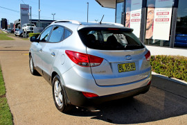 2011 MY12 [SOLD]    Mobile Image 6