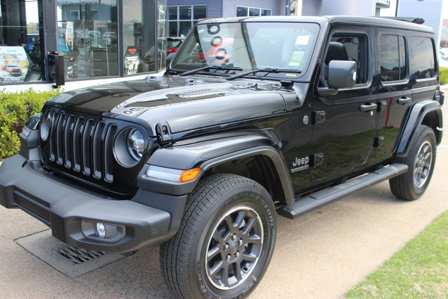 2021 Jeep Wrangler JL  Unlimited 80th Unlimited - 80th Anniversary Convertible Image 3