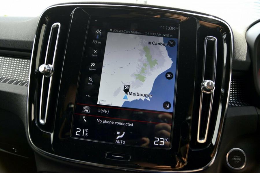 2019 Volvo XC40 XZ T5 R-Design Suv Image 12