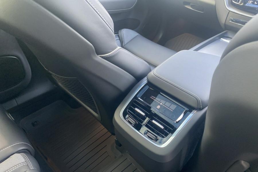 2020 MY21 Volvo XC60 UZ T6 R-Design Suv Image 27