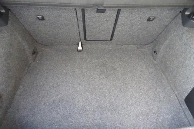 2010 Volkswagen Golf GTI 22 of 24