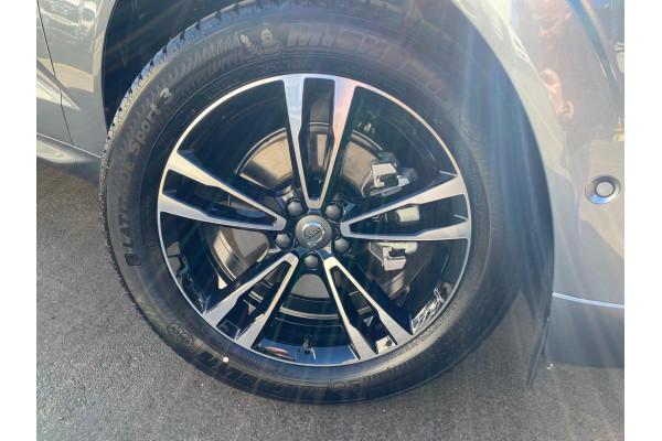 2021 Volvo XC60 T5 Momentum 2.0L T/P 187kW 8AT Suv Image 4