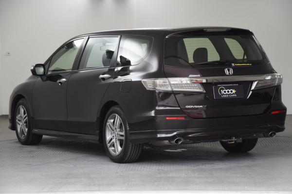 2012 Honda Odyssey 4th Gen Luxury Wagon Image 3