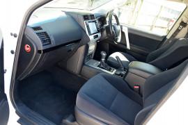 2019 Toyota Landcruiser Prado GDJ150R GXL Suv image 10