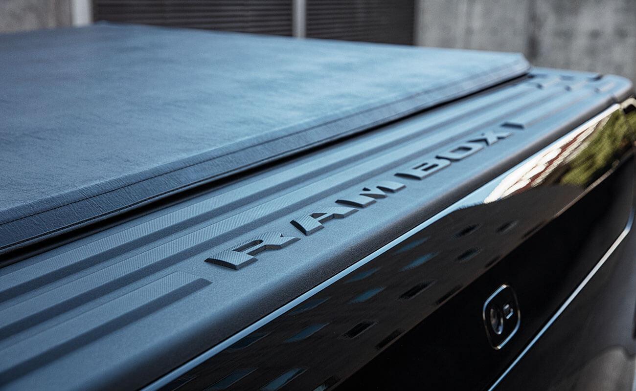 1500 Laramie V8 Hemi RAM EXCLUSIVE FEATURES