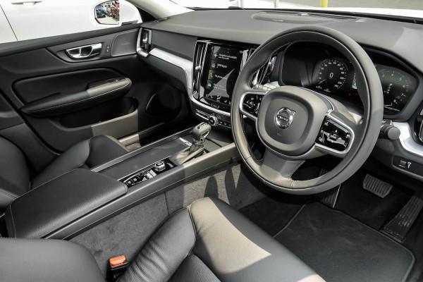 2019 MY20 Volvo S60 Z Series T5 Momentum Sedan Image 5