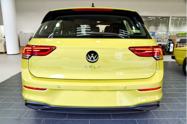 2021 Volkswagen Golf 8 110TSI Golf Hatch Image 4