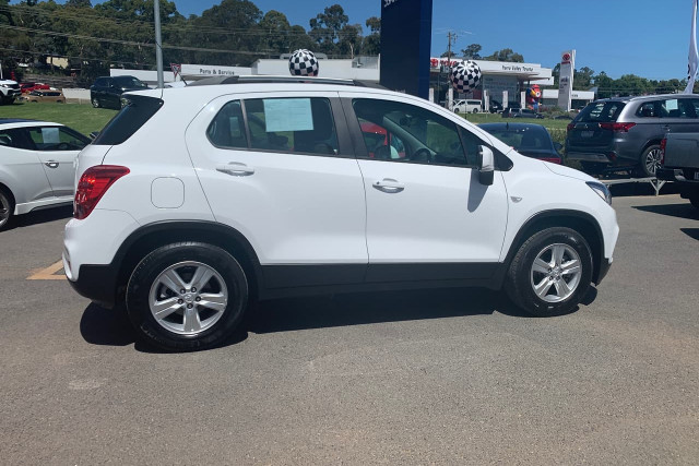 2017 Holden Trax LS 2 of 19