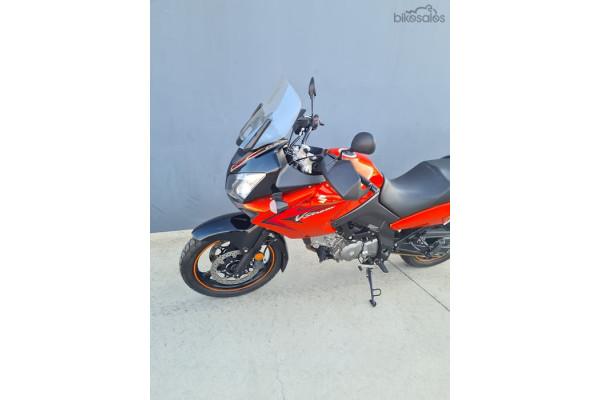 2009 Suzuki V-Strom 650 Motorcycle Image 2