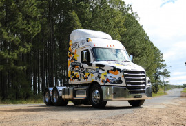 Freightliner Cascadia 6x4 Prime Mover 116