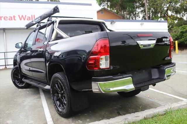 2015 Toyota HiLux GUN126R SR5 Utility Image 3
