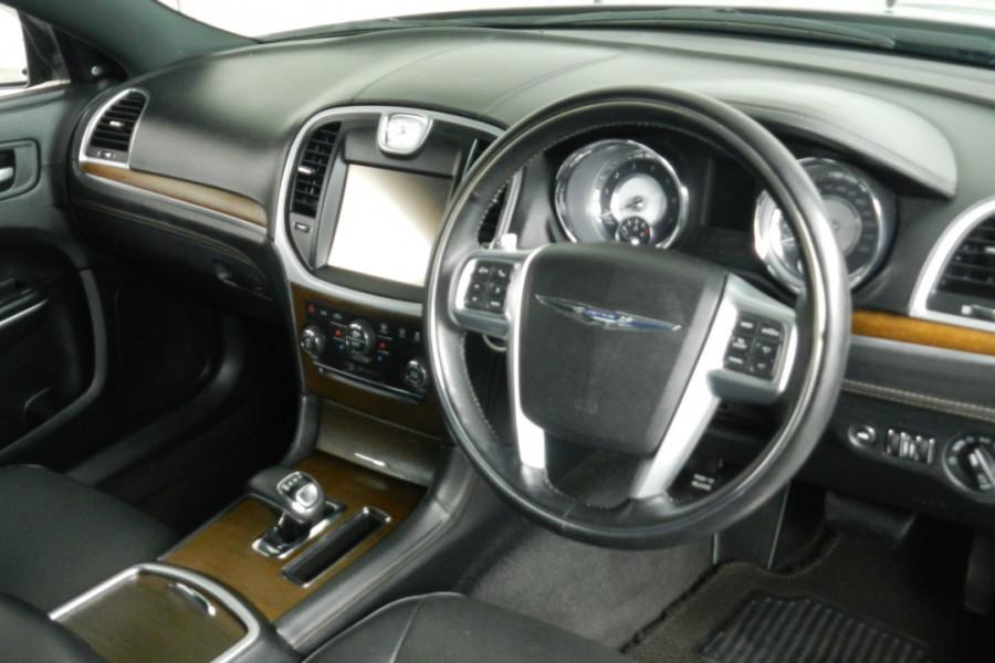 2012 MY13 Chrysler 300 LX C Sedan Mobile Image 17