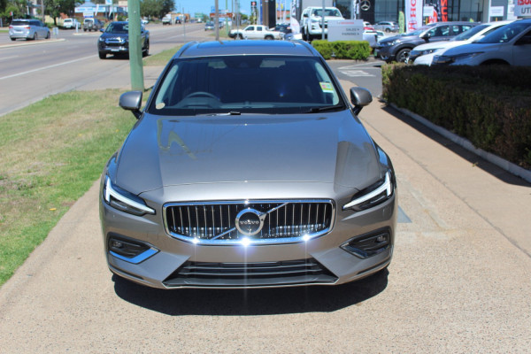 2020 Volvo V60 F-Series T5 Inscription Wagon Image 2